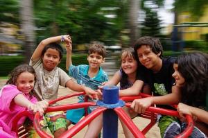 kids-on-merry-go-round